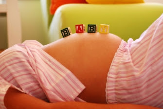 embarazada tumbada baby